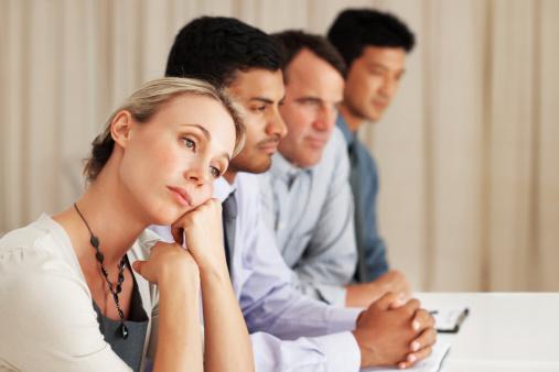 Grupp med en kvinna och tre män.